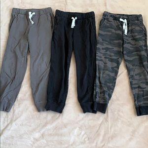 5 pair carters Boys joggers sweatpants, size 6
